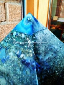 Orgonite analysis : An orgonite, to work, must be done mixing organic and inorganic materials, i use beeswax and metals, with rich quantity and quality minerals and crystals.
