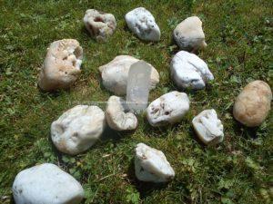 Pyramid Orgonite Netherlands Channels, bijenwas, kristallen, mineralen, metalen.