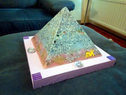 Pyramid Orgonite Lille Sky