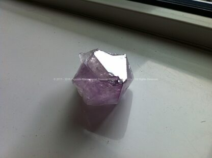 Orgonite pyramid 24 Full Metal Jacket, bijenwas, kristallen, mineralen, metalen.
