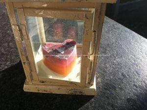Orgonite hart jasper 2, bijenwas, kristallen, mineralen, metalen.