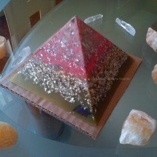 Piramide orgonite Maas 001