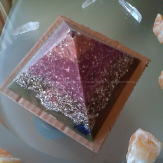 Piramide orgonite Maas 004