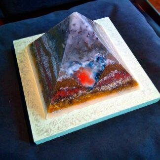 Piramide Orgone Angelite Hart 17