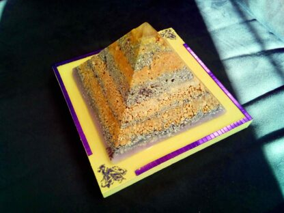 Fluorite 17 cm piramide orgonite