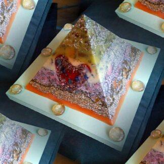 Piramide orgone Valentine hart 17 cm