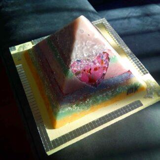 Jasper hart 17 cm piramide orgonite