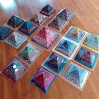 Piramiden orgonite 24 cm Cheops