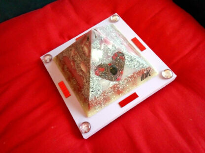 Piramide Orgone Shungite Hart 17 cm V2