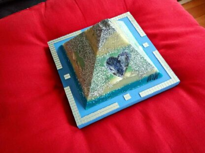 Piramide Orgone Sodalit Hart 17 cm V2