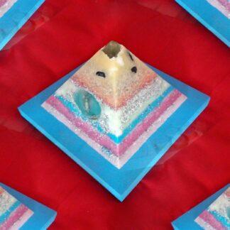 Kunst Dag 17 cm piramide orgonite