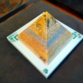 Birmingham 17 cm pyramid orgonite