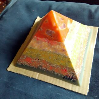 Blizzard 17 cm piramide orgonite