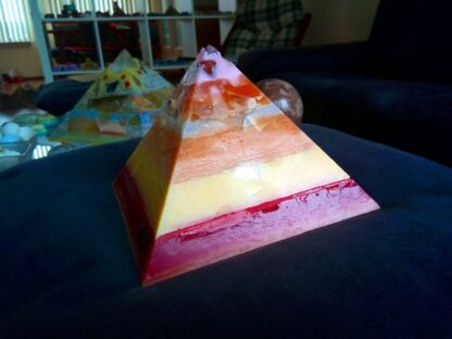 Lemuria dream 17 cm pyramid orgonite 001