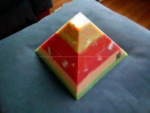 Opaliet 17 cm pyramid orgonite 002
