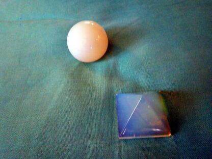 Opaliet 17 cm pyramid orgonite 003