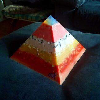 Opaliet 17 cm pyramid orgonite 005