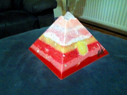 Peacekeeper 17 cm piramide orgonite
