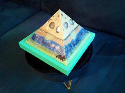 Blue Lagoon 13 cm pyramid