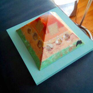 Hidden Pyramid 12 cm