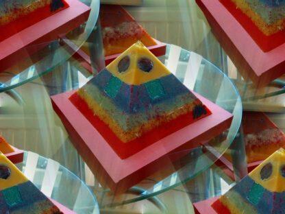 Horn Castle 12 cm pyramid