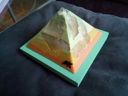Kwarts Pantser 12 cm piramide