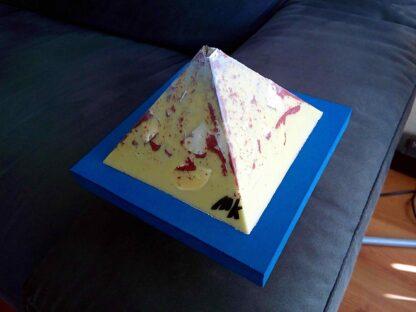 Night Prowler 12 cm pyramid