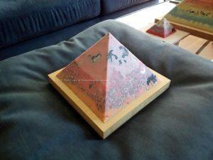 Cold Blue Violet 13 cm piramide beeswax