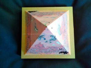 Cold Blue Violet 13 cm piramide bijenwas