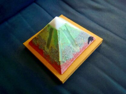 Selenium 13 cm pyramid Orgonite